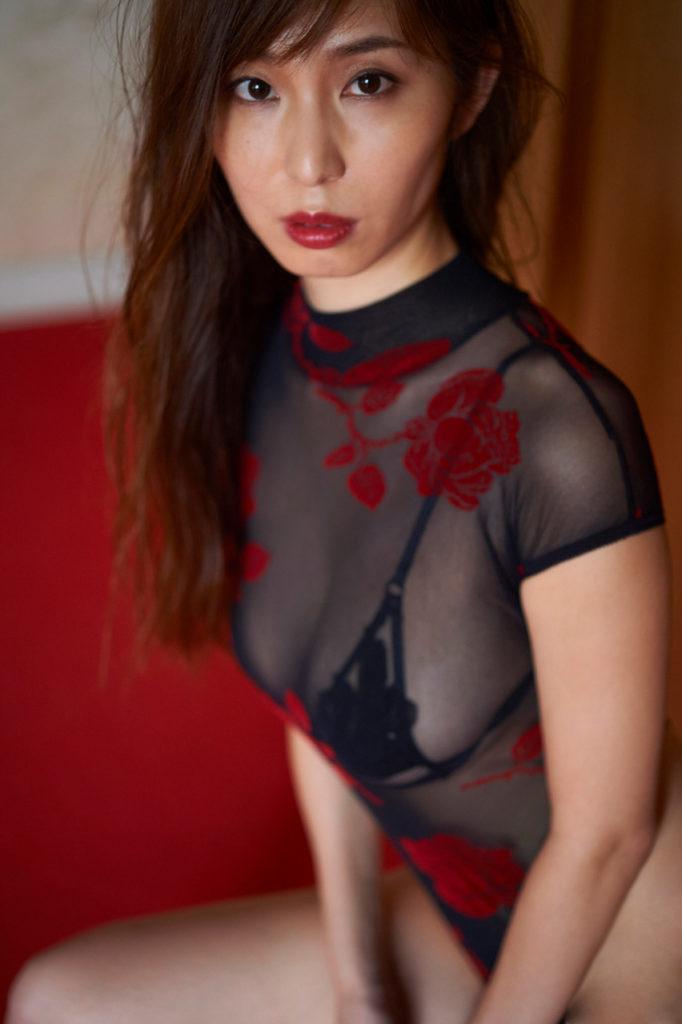 【塩地美澄グラビア画像】熟女になってから売れに売れてる女子アナグラドル 19