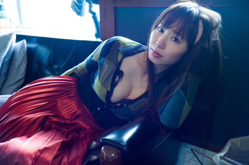 【塩地美澄グラビア画像】熟女になってから売れに売れてる女子アナグラドル 68