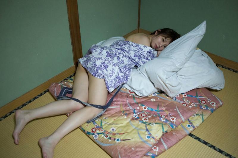 【塩地美澄グラビア画像】熟女になってから売れに売れてる女子アナグラドル 74