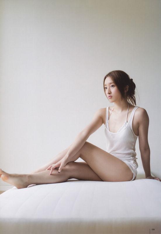 【梅田彩佳エロ画像】元AKB48アイドルが熟女になってからグラビア復帰ってマジかw 17