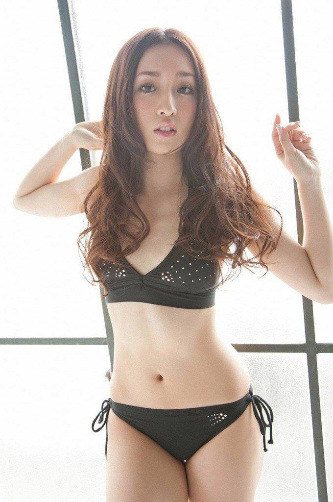 【梅田彩佳エロ画像】元AKB48アイドルが熟女になってからグラビア復帰ってマジかw 27