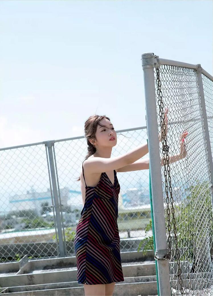 【梅田彩佳エロ画像】元AKB48アイドルが熟女になってからグラビア復帰ってマジかw 38