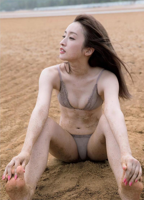 【梅田彩佳エロ画像】元AKB48アイドルが熟女になってからグラビア復帰ってマジかw 60