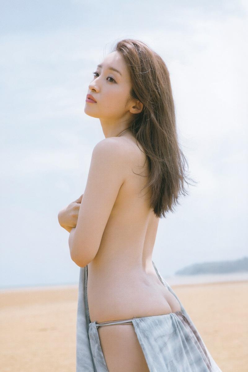 【梅田彩佳エロ画像】元AKB48アイドルが熟女になってからグラビア復帰ってマジかw 61