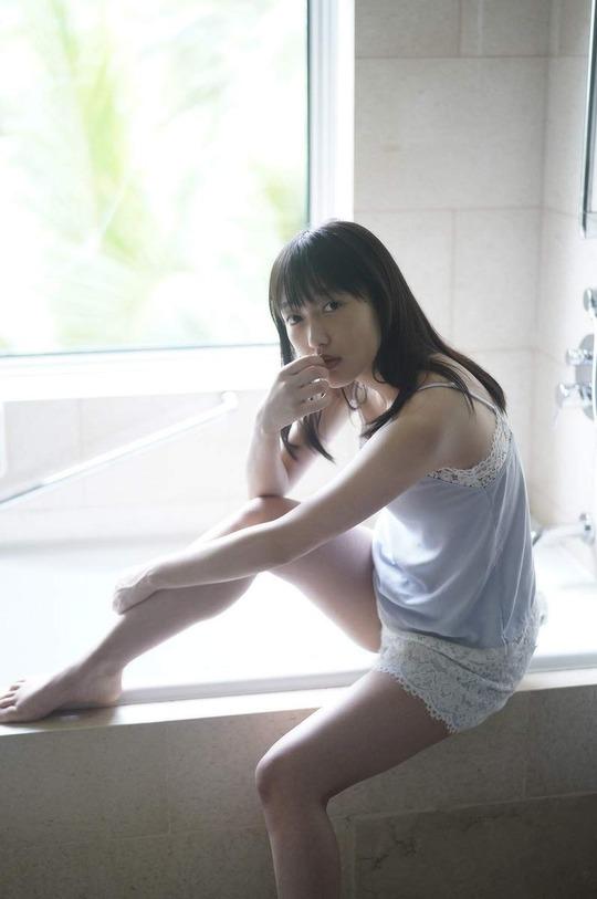 【久保田未夢グラビア画像】念願だったラブライブメンバーに選ばれたアイドル声優 14
