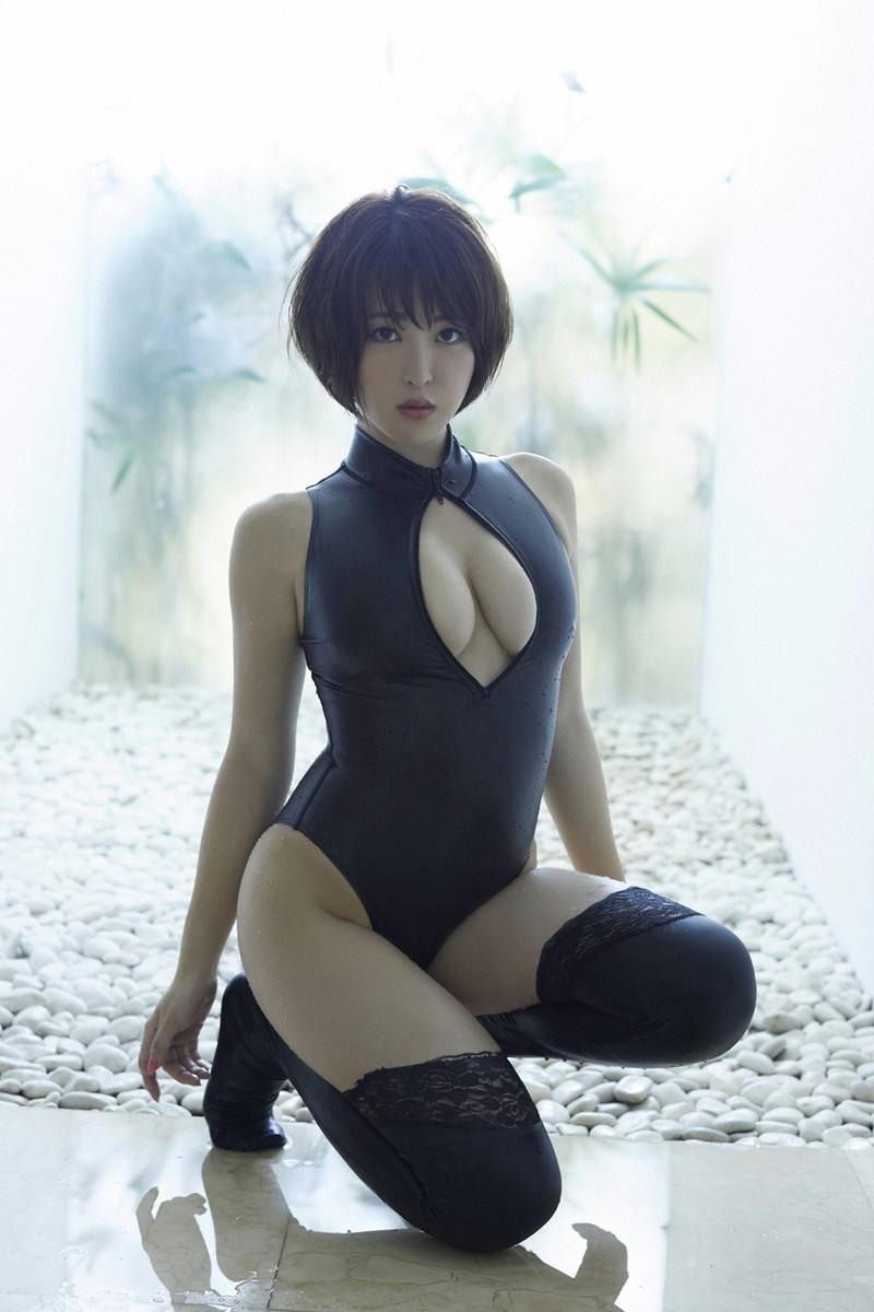 【変態衣装エロ画像】人気を獲得する為に欲情させる衣装を着てみせる女たち 62