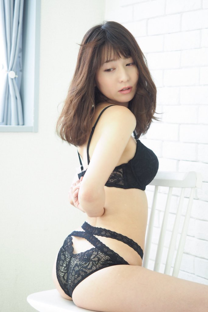 【堀尾実咲グラビア画像】スタイル抜群なスレンダーボディがソソる元RQ美女 13