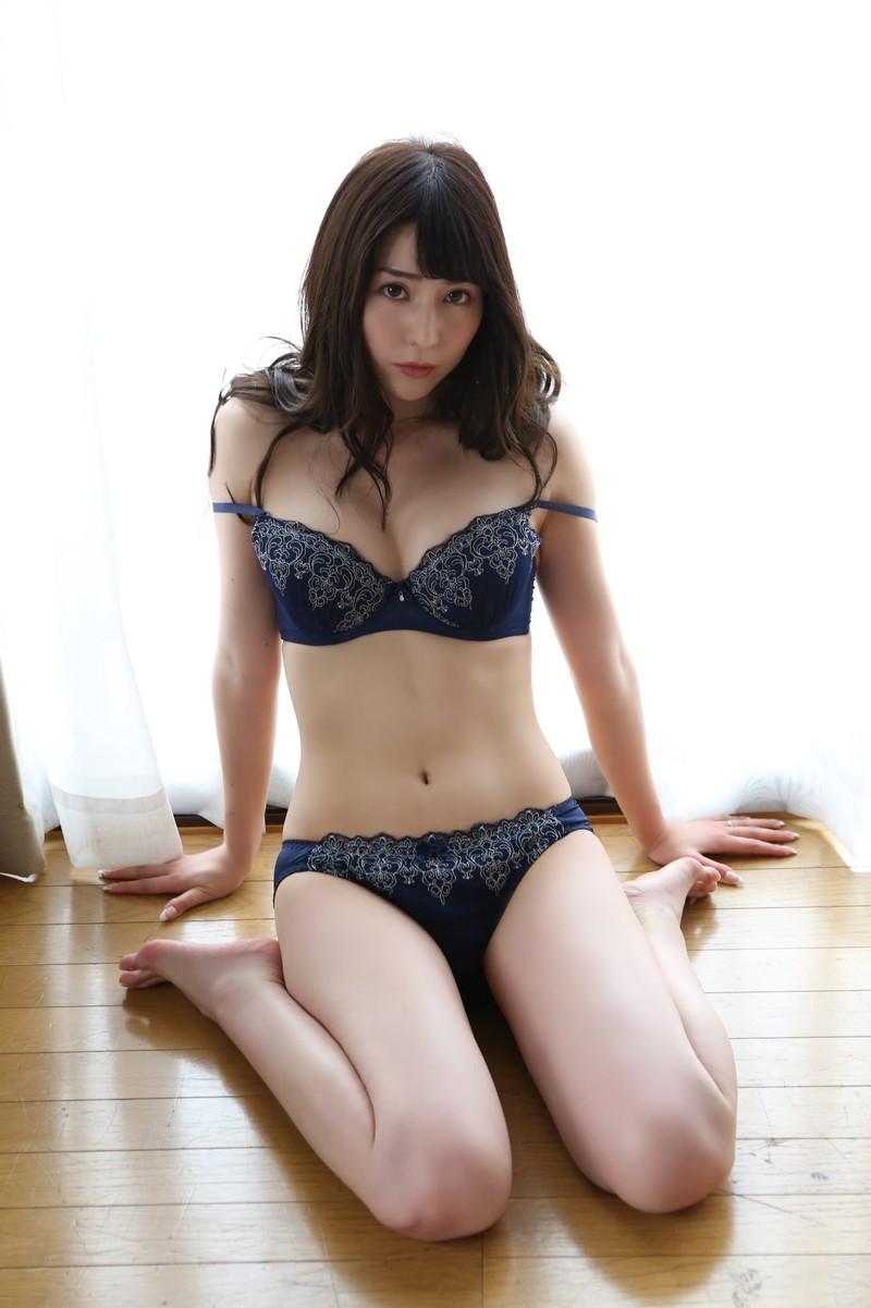 【堀尾実咲グラビア画像】スタイル抜群なスレンダーボディがソソる元RQ美女 53