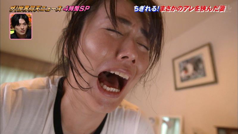 【磯山さやかお宝画像】乳首を挟まれて苦悶の表情を浮かべる迷演技wwww 10
