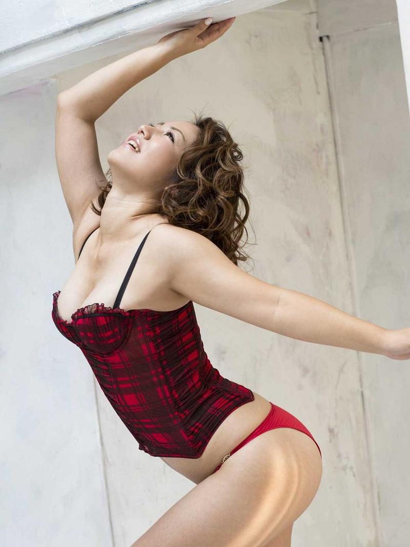 【磯山さやかお宝画像】乳首を挟まれて苦悶の表情を浮かべる迷演技wwww 71