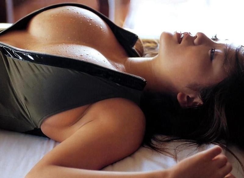 【磯山さやかお宝画像】乳首を挟まれて苦悶の表情を浮かべる迷演技wwww 79