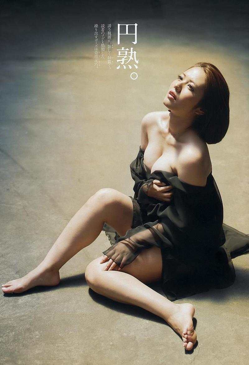 【磯山さやかお宝画像】乳首を挟まれて苦悶の表情を浮かべる迷演技wwww 94