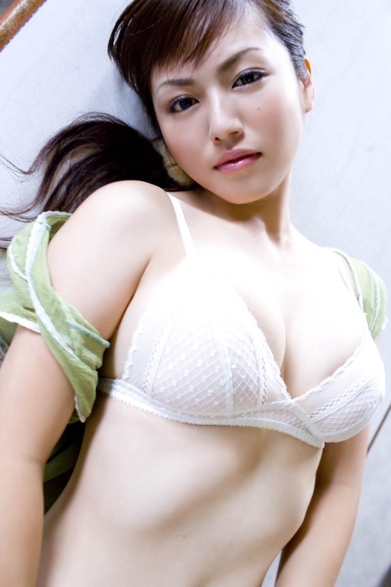 【磯山さやかお宝画像】乳首を挟まれて苦悶の表情を浮かべる迷演技wwww 95