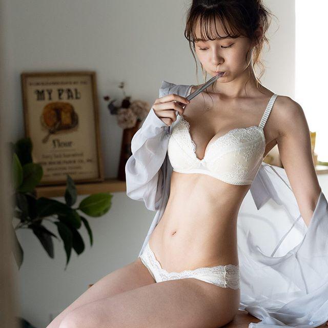 【桜木美涼グラビア画像】SNSで可愛くて大胆なGカップボディを披露している新人グラドル 53
