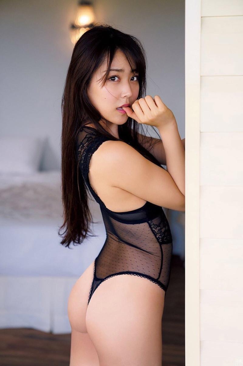【白間美瑠グラビア画像】オッパイの谷間を大胆に披露している美少女アイドル! 63