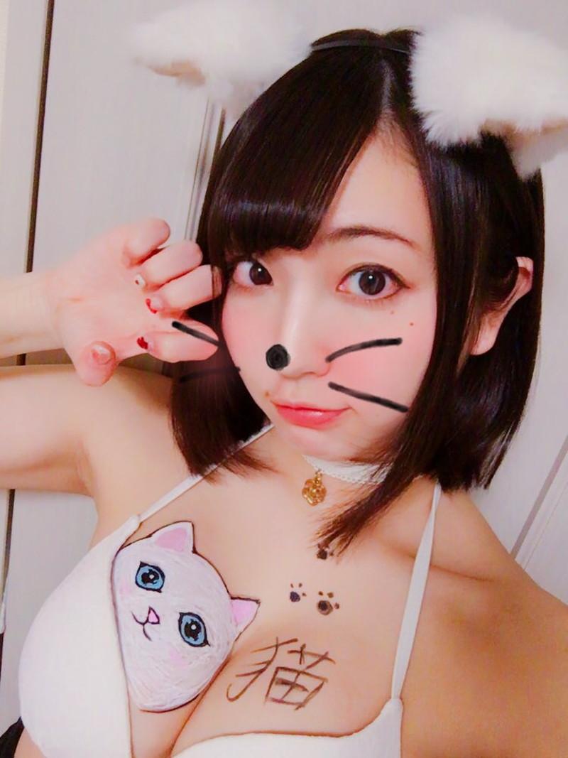 【椎名香奈江エロ画像】Fカップ巨乳を使ったパイアートで目立ちたいグラビアアイドルw 20