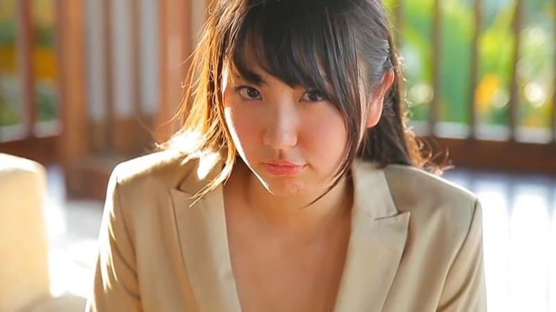 【椎名香奈江エロ画像】Fカップ巨乳を使ったパイアートで目立ちたいグラビアアイドルw 74