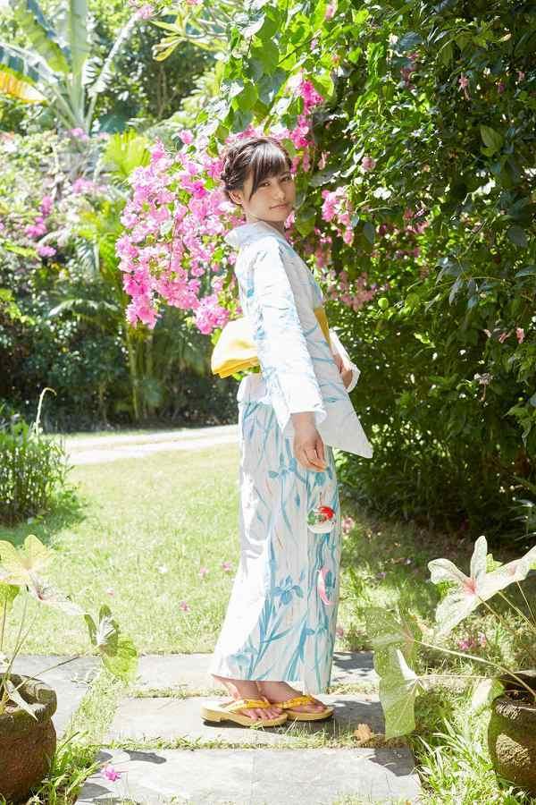 【江藤彩也香グラビア画像】元HKT48メンバーアイドルが披露する水着姿がエロカワ! 23