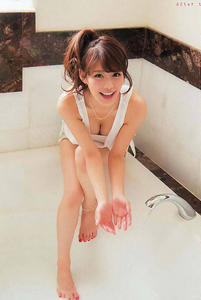 【美馬怜子グラビア画像】現役モデル美熟女のスタイル抜群なくびれボディ 34