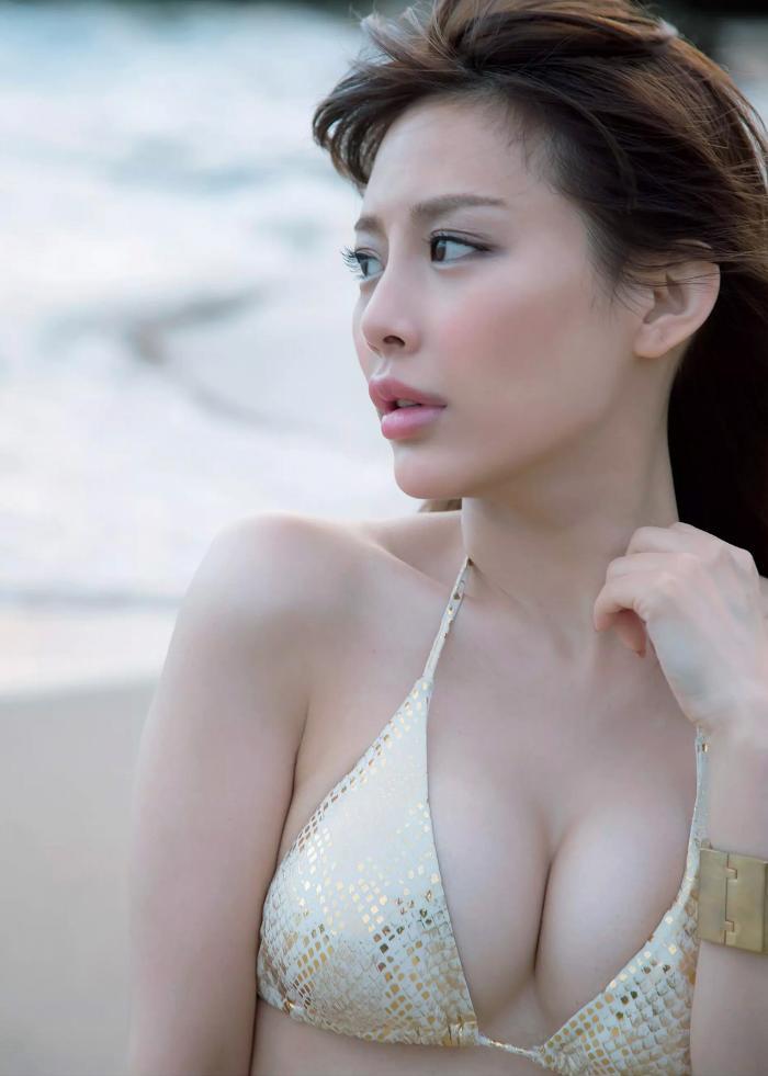 【美馬怜子グラビア画像】現役モデル美熟女のスタイル抜群なくびれボディ 43