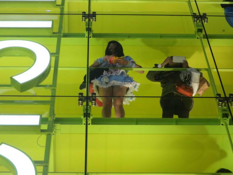 【コスプレエロ画像】ハロウィンを露出コスプレ祭りと勘違いしてる女wwww 14