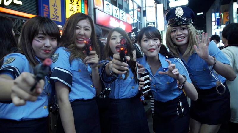 【コスプレエロ画像】ハロウィンを露出コスプレ祭りと勘違いしてる女wwww 19