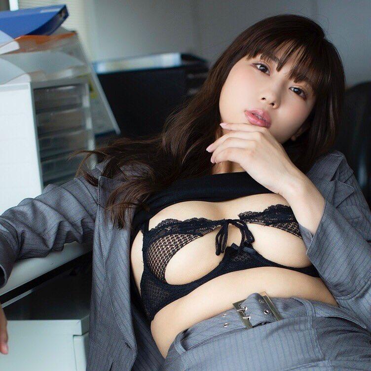 【水池愛香エロ画像】元アイドルで27歳になってからグラドルデビュー!? 22