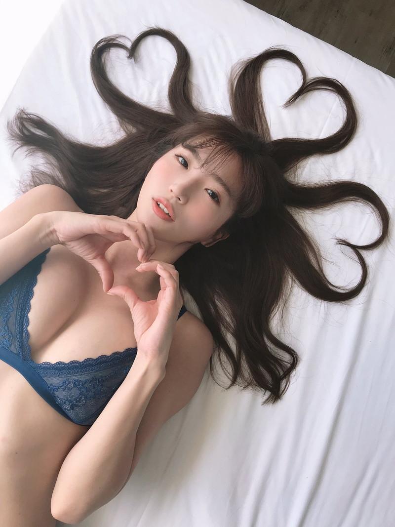 【松嶋えいみキャプ画像】Fカップ巨乳の9頭身エロボディがめちゃシコ過ぎたwwww 65