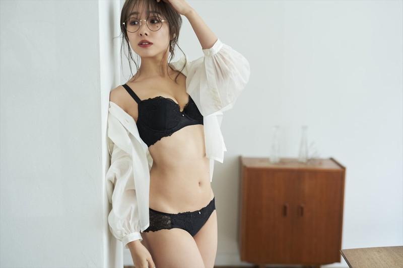 【前田希美エロ画像】泣きぼくろがチャームポイントのファッションモデル 06