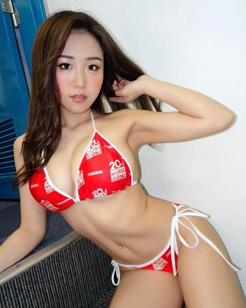【HARUKAエロ画像】ギャル系ユニットに居るけど素顔は童顔系って感じで可愛いw 06
