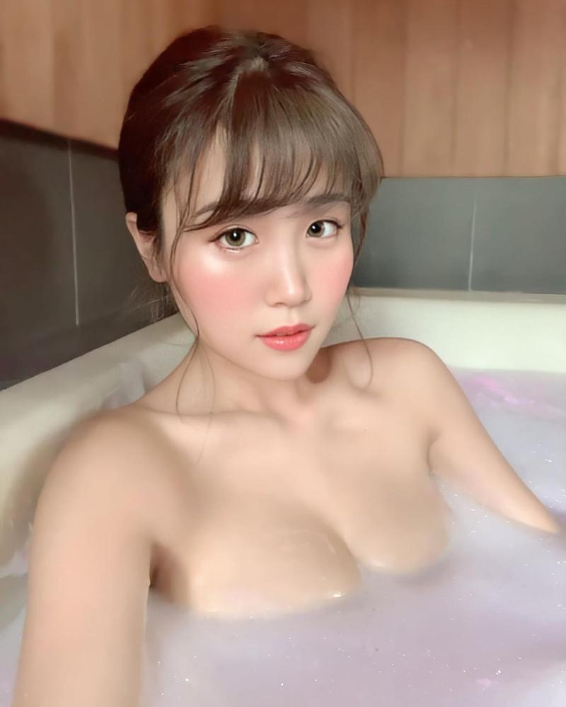 【HARUKAエロ画像】ギャル系ユニットに居るけど素顔は童顔系って感じで可愛いw 08