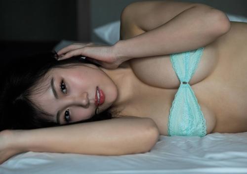 【HARUKAエロ画像】ギャル系ユニットに居るけど素顔は童顔系って感じで可愛いw 27