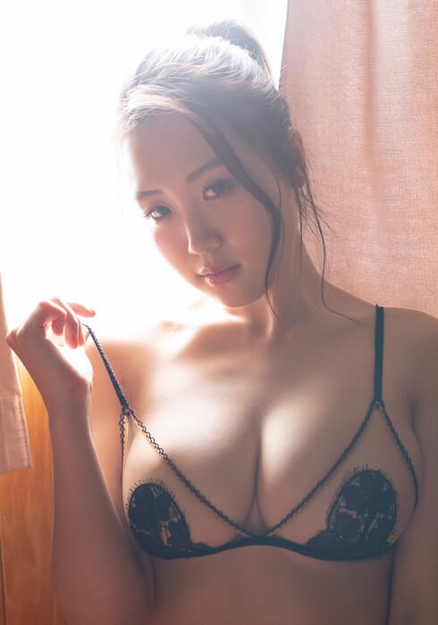 【HARUKAエロ画像】ギャル系ユニットに居るけど素顔は童顔系って感じで可愛いw 33