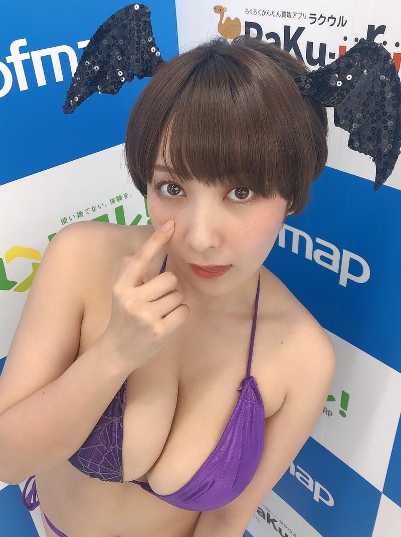 【紺野栞キャプ画像】ショートヘアにイメチェンして巨乳ボディに魅力が増した! 70