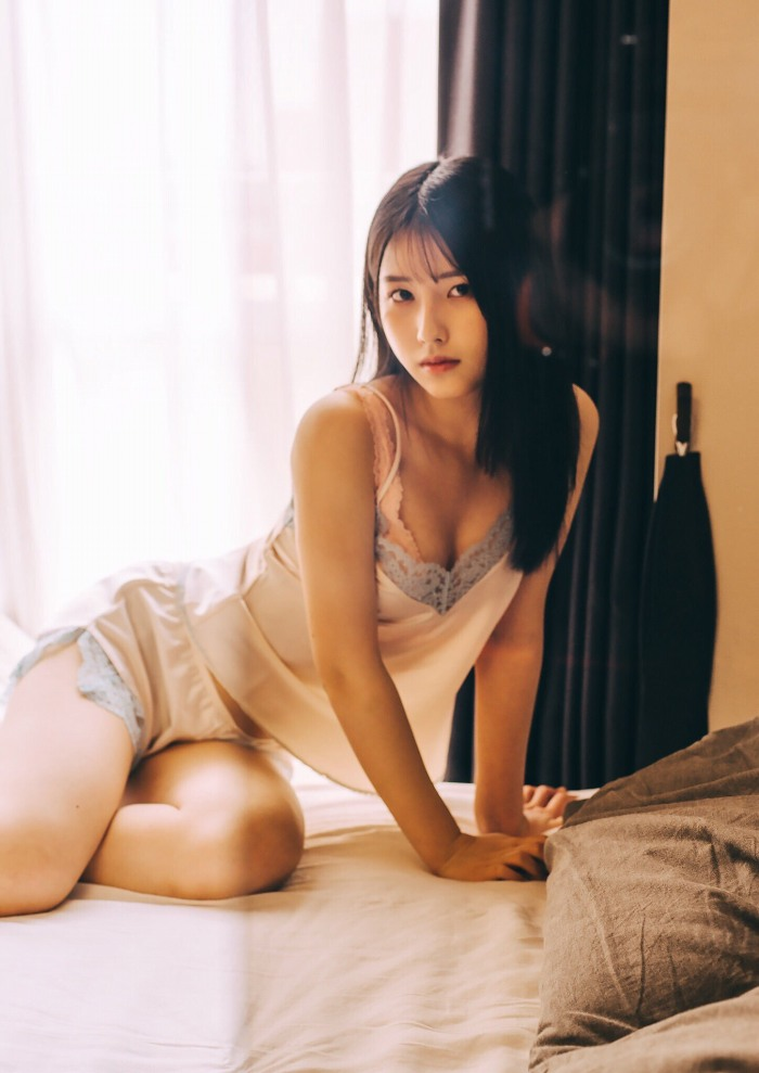 【森嶋あんりエロ画像】コスプレイヤーからデビューした美少女現役JKグラドル 65