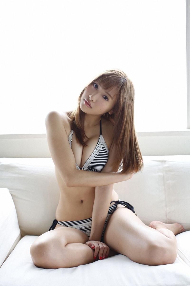 【佐野ひなこグラビア画像】相変わらずエロいFカップ巨乳ボディが眩しすぎる! 33