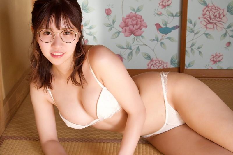 【池田ゆうなエロ画像】アイドル卒業をきっかけにGカップボディを活かしてきた!