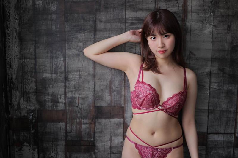 【池田ゆうなエロ画像】アイドル卒業をきっかけにGカップボディを活かしてきた! 49