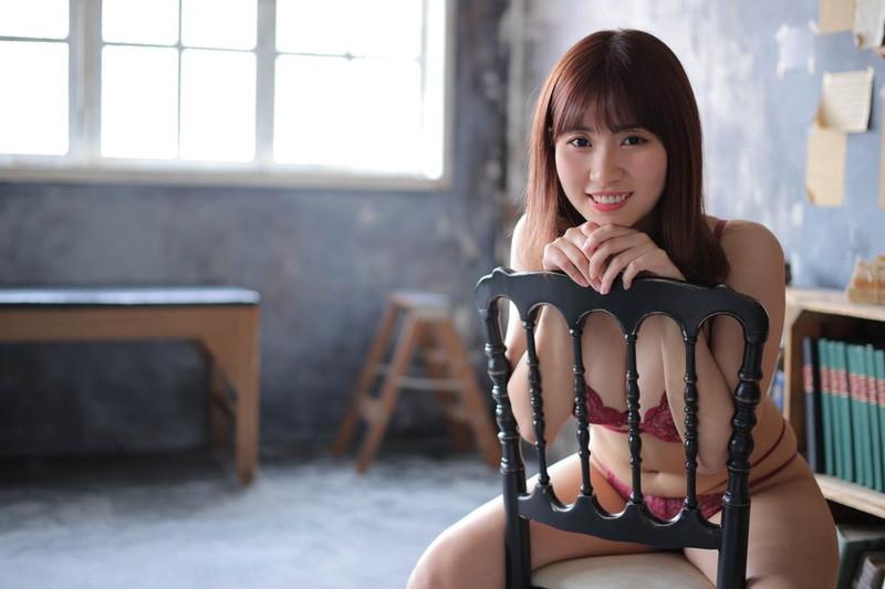 【池田ゆうなエロ画像】アイドル卒業をきっかけにGカップボディを活かしてきた! 50