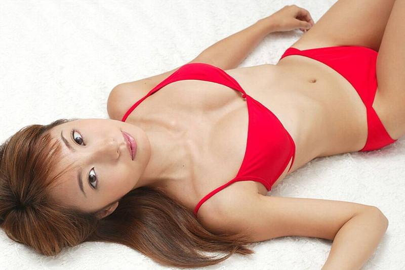 【山本梓グラビア画像】シンガポールで悠々自適な生活をしている元モグラ女子