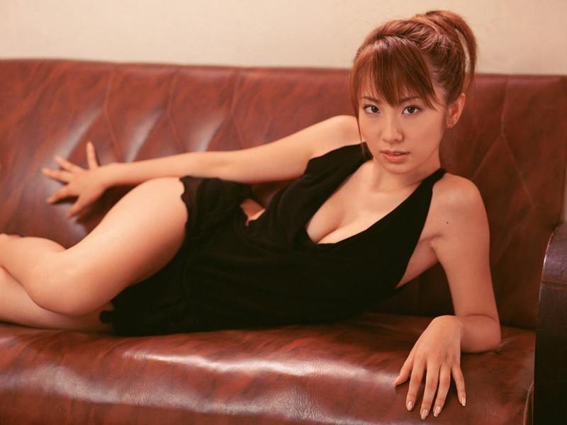 【山本梓グラビア画像】シンガポールで悠々自適な生活をしている元モグラ女子 11