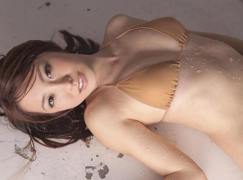 【山本梓グラビア画像】シンガポールで悠々自適な生活をしている元モグラ女子 28