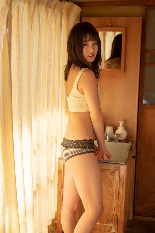 【萩田帆風エロ画像】女子高生ミスコン準グランプリの笑顔が可愛い女の子 12