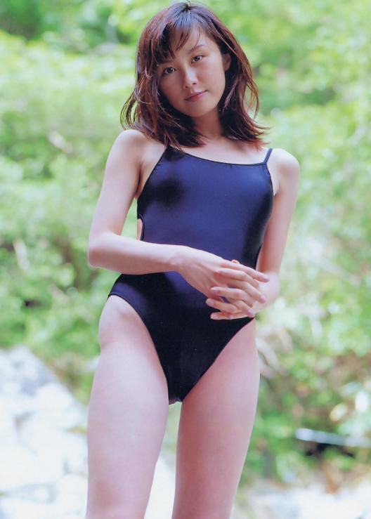 【山口もえお宝画像】ゆるふわ系で人気だったお嬢様タレントの水着グラビア 03