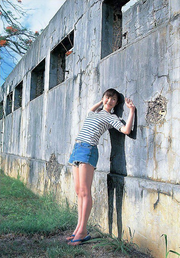 【山口もえお宝画像】ゆるふわ系で人気だったお嬢様タレントの水着グラビア 41
