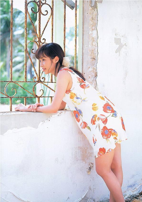 【山口もえお宝画像】ゆるふわ系で人気だったお嬢様タレントの水着グラビア 43