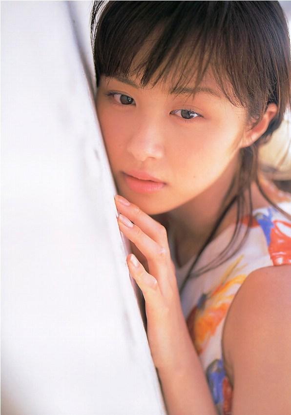 【山口もえお宝画像】ゆるふわ系で人気だったお嬢様タレントの水着グラビア 44