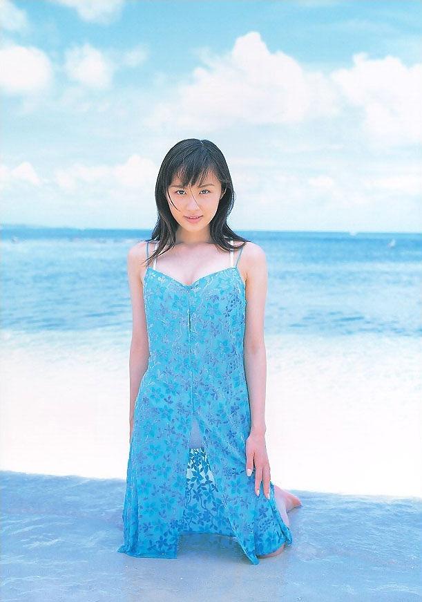 【山口もえお宝画像】ゆるふわ系で人気だったお嬢様タレントの水着グラビア 47