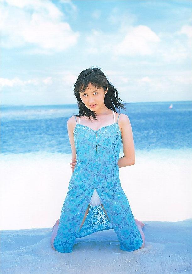 【山口もえお宝画像】ゆるふわ系で人気だったお嬢様タレントの水着グラビア 48