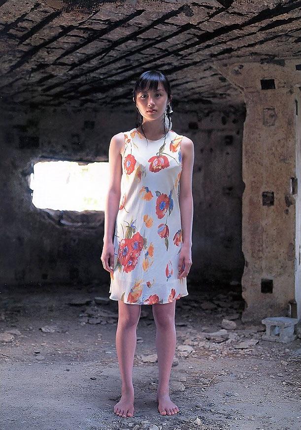【山口もえお宝画像】ゆるふわ系で人気だったお嬢様タレントの水着グラビア 54